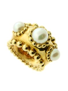 CHANEL YELLOW GOLD PEARL RING