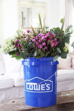 Can't resist those beautiful bouquets at the market? Take a cue from Courtney from French Country Cottage and carry a bucket in your car to fill with water and keep your flowers fresh.
