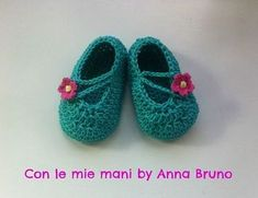 Crochet baby shoes for children - Explanations.- Scarpine a uncinetto per bambin. Crochet baby shoes for children - Explanations.- Scarpine a uncinetto per bambini – Spiegazioni. Crochet Sandals, Crochet Baby Shoes, Newborn Crochet, Love Crochet, Crochet For Kids, Knit Crochet, Baby Boy Shoes, Kid Shoes, Baby Bootees