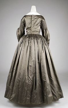 Dress (image 3) | American | 1840s | silk, cotton | Metropolitan Museum of Art | Accession Number: 2008.19