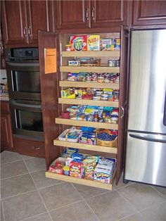double ovens, and pull out pantry cabinet..we tried this at home, but our contractor failed us