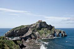 San Juan de Gaztelugatxe Bilbao, Basque Country, Places To See, Water, Outdoor, Poppies, Antique Photos, Paths, San Juan