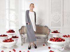 Кардиган серый— 19990рублей, Платье «Даниэла» молочное— 14 990 рублей