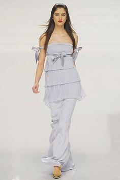 Valentino Fall 2006 Ready-to-Wear Fashion Show - Katarina Ivanovska