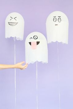 DIY Silly Ghost Balloons | fun and easy Halloween decoration ideas