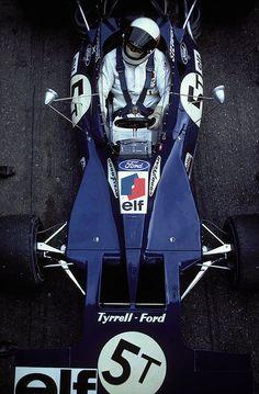 Photography (Jackie Stewart, ELF Tyrrell-Ford 003, 1971 F1 World Championship, via itsawheelthing)