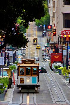Powell St Cable Car ~ San Francisco, California #travelnewhorizons