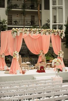 Trendy Ideas for wedding decorations indian garden Indian Wedding Stage, Indian Wedding Receptions, Wedding Mandap, Indian Beach Wedding, Wedding Dresses, Mandap Design, Wedding Hall Decorations, Decor Wedding, Indian Garden
