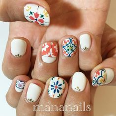 tile nails. LOVE THESE mananails