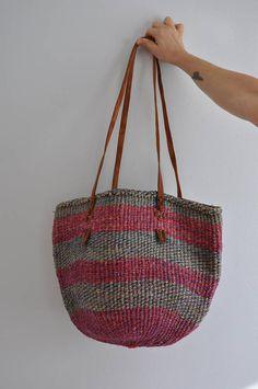 Vintage Sisal Market Bag    Woven Basket Tote    Woven Straw 74fc977e12cf3