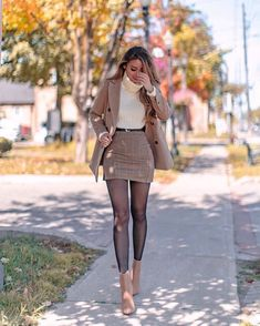 Classy Outfits For Teens, Dressy Fall Outfits, Classy Business Outfits, Winter Mode Outfits, Winter Dress Outfits, Winter Outfits Women, Winter Fashion Outfits, Look Fashion, Stylish Outfits