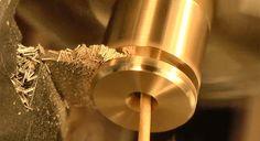 作られる工程まで美しい。自宅でスケルトン時計を作る動画 : ギズモード・ジャパン