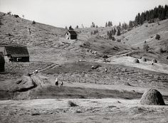 Martin Martinček - Na holiach I.-1970–1975 Old Photography, Monument Valley, 1975, Nostalgia, Nature, Travel, Author, Lens, Naturaleza