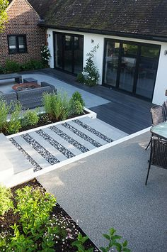 A Contemporary Courtyard - Maidstone, kent