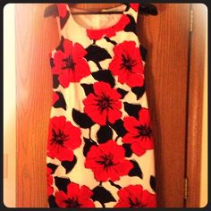 ** Size 8 ** Tommy Hilfiger summer dress!!!! This dress is gorgeous!!! Red, white and blue floral pattern. Cotton. Only worn twice. Tommy Hilfiger Dresses
