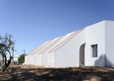 PAr converts 1940s house into rural hotel in the Algarve