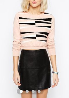 Sweater-crop top + high waist leather skirt