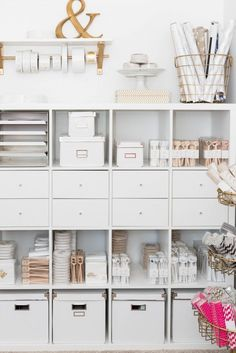 IKEA Hacks That'll Answer All Your Craft Storage Woes If you're short on room, optimizing your space with tall shelves is the way to go.If you're short on room, optimizing your space with tall shelves is the way to go. Home Office Space, Home Office Design, Home Office Decor, Office Spaces, Office Ideas, Office Workspace, Ikea Office Hack, Work Spaces, Apartment Office