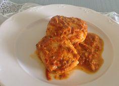 Lomos de merluza con salsa de pimientos y salsa pesto para #Mycook http://www.mycook.es/cocina/receta/lomos-de-merluza-con-salsa-de-pimientos-y-salsa-pesto
