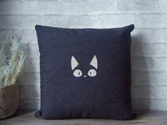 Black cat pillow case  linen pillow case with black cat by Ideccor, $21.90