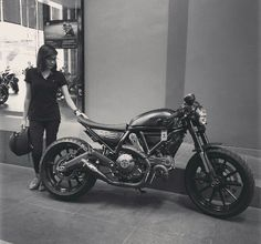Ducati Scrambler Cafe racer Moto Bike, Motorcycle Bike, Lady Biker, Biker Girl, Ducati Scrambler Custom, Custom Cafe Racer, Bike Shed, Mans World, My Ride