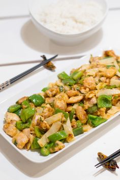 Maa, Kung Pao Chicken, Pasta Salad, Cooking, Ethnic Recipes, Koti, Henna, Crab Pasta Salad, Kitchen
