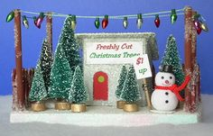 little gllitter houses Christmas tree stand! Christmas Tree Lots, Christmas Village Houses, Putz Houses, Christmas Villages, Christmas Minis, Christmas In July, All Things Christmas, Vintage Christmas, Christmas Crafts