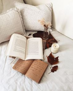 Cozy reading setup in bed 📖 Cozy Aesthetic, Autumn Aesthetic, Book Flatlay, Photo Couple, Coffee And Books, Study Motivation, Book Photography, Aesthetic Pictures, Book Nerd