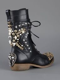 BALDAN ...  studded boot...     from Biondini...  Paris, France
