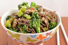 Broccoli Stir Fry Broccoli Stir Fry, this sounds yummy!Broccoli Stir Fry, this sounds yummy! Chinese Stir Fry, Stir Fry Recipes, Cooking Recipes, Beef Recipes, Alkaline Diet Recipes, Food Doodles, Great Recipes, Favorite Recipes, Noodles
