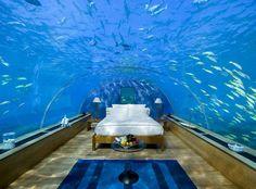 Nefes kesen sualtı yatak odası :) Maldivler... http://renklim.com/nefes-kesen-sualti-yatak-odasi-maldivler.html