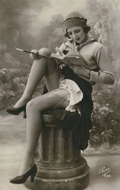 vintage french pin up Pin Up Vintage, Glamour Vintage, Photos Vintage, Vintage Lingerie, Vintage Girls, Vintage Photographs, Vintage Beauty, Vintage Postcards, Vintage Fashion