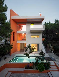 Casa de colores en Stamata, Grecia. - diariodesign.com