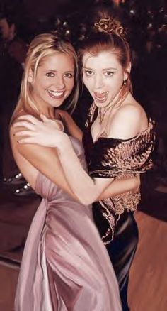 Sarah Michelle Gellar and Alyson Hannigan...can't they make up, i miss the way they were :/