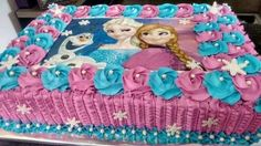 bolo azul e roxo retangular Frozen Birthday Party, Elsa Birthday Cake, Birthday Sheet Cakes, Barbie Birthday, 1st Birthday Girls, Frozen Party, Bolo Frozen Chantilly, Pastel Frozen Betun, Disney Frozen Cake