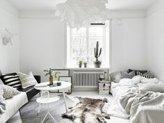 my scandinavian home: Small space inspiration in monochrome