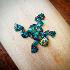Check out this item in my Etsy shop https://www.etsy.com/listing/548474290/hot-enamel-froggy