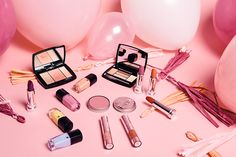 Get this free make up products today. make up good women Flat Lay Photography, Makeup Photography, Photography Ideas, Product Photography, Tumblr Mode, Sensitive Skin Care, L'oréal Paris, Skin Cream, Eye Cream