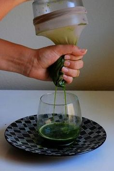 How to juice wheatgrass in a blender. Since I can't afford a wheatgrass juicer, here is a cheaper option!