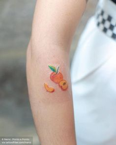 Hand poked peach. Small Forearm Tattoos, Cool Small Tattoos, Little Tattoos, Pretty Tattoos, Emoji Tattoo, Peach Tattoo, Explore Tattoo, Food Tattoos, Peach Aesthetic
