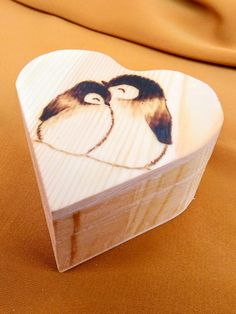 Heart shaped penguin box, hand made with pyrography. The inside is covered with soft, red felt. Wooden Jewelry Boxes, Wooden Boxes, Wood Burning Techniques, Old Friendships, First Tooth, Red Felt, Time Capsule, Small Boxes, Pyrography
