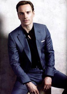 Michael Fassbender - he even sits like a handsome man! Michael Fassbender, Beautiful Men, Beautiful People, Pretty Men, Jason Isaacs, James Mcavoy, Harrison Ford, Jake Gyllenhaal, Celebs
