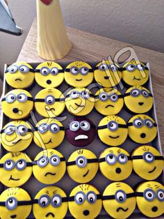 Minions Muffins Album, Table, Home Decor, Pies, Decoration Home, Room Decor, Tables, Home Interior Design, Desk