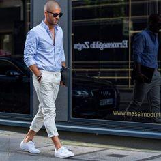 2016-06-03のファッションスナップ。着用アイテム・キーワードはサングラス, シャツ, スニーカー, 白・ホワイトパンツ, 青シャツ,etc. 理想の着こなし・コーディネートがきっとここに。  No:147412