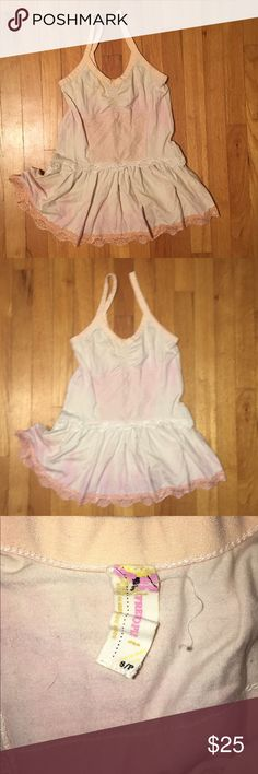 Free people lacy cinched waist tank Super girly subtle tie die like effect, stretchy material Free People Tops Blouses