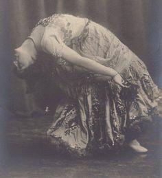 Valentine Olida, Belle Epoque Dancer, circa 1905