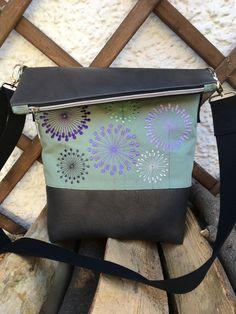 Schultertaschen - FoldOver Umhängetasche - ein Designerstück von mitFreude bei DaWanda
