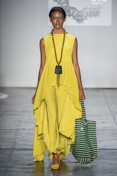 Lanyu at New York Fashion Week Spring 2019 - Runway Photos Latest Fashion For Women, Womens Fashion, Ladies Fashion, Les Beatles, Quoi Porter, African Fashion Designers, African Traditional Dresses, Glamour, Fashion Outfits