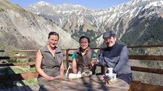 Gabriel talks cheese with cheesemakers Morgane and Mélanie in the Alps.