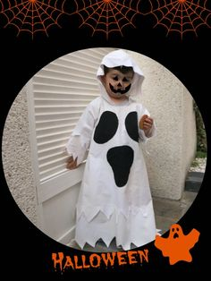 Patrón de disfraz de fantasma para halloween. DIY. costume-pattern-ghost-kids Ghost Halloween Costume, Ghost Costumes, Halloween 2019, Halloween Crafts For Kids To Make, Halloween Kids, Adornos Halloween, Halloween Disfraces, Baby Christmas Photos, Events